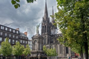 Illustration de la cathédrale de Clermont-Ferrand